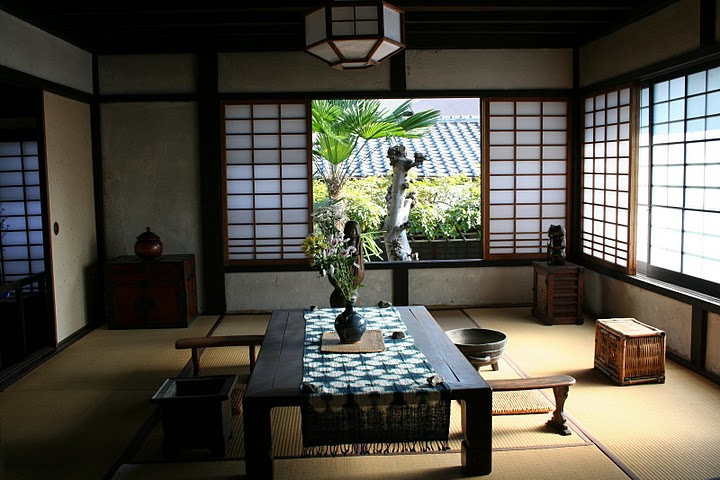 Japanese interiors - Traditional japanese house ...